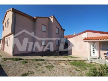 House with apartments, Sale, Povljana, Povljana